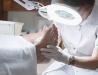 Så behandlas svullna fötter av läkaren